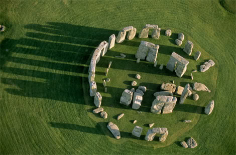 lh-stonehenge
