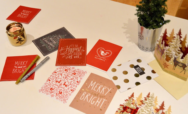 Blogmas Day 4 – Why I Still Love Christmas Cards
