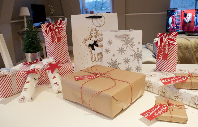 Blogmas Day 12 – Present Wrapping Tips & Tricks