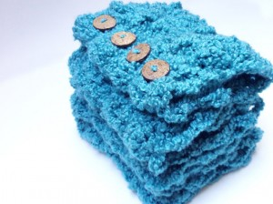 crocheted-infinity-scarf-teal-folded-1
