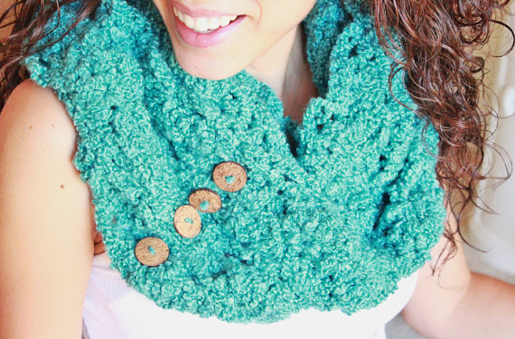 crocheted-infinity-scarf-teal
