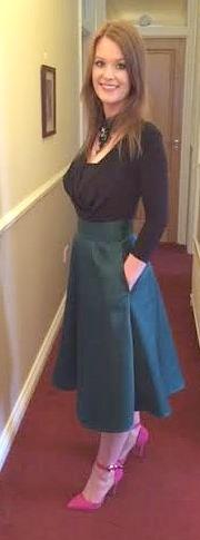 jen outfit side