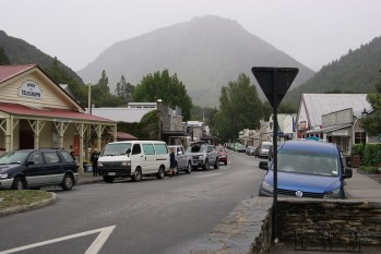 Arrowtown! It's so cute but hard to get a cute photo because of all the cars.