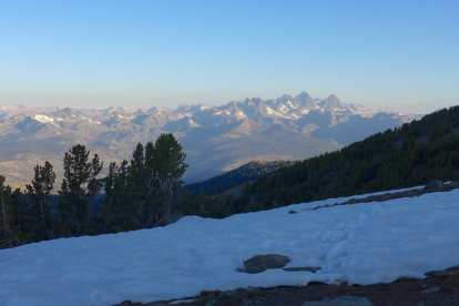 Early morning view of Banner, Ritter, and the Minarets from the Mammoth Crest