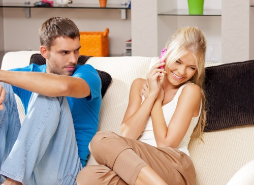 Here are signs that your man is jealous but hiding it! 1