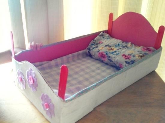 Cara membuat tempat tidur untuk boneka keluar dari kertas