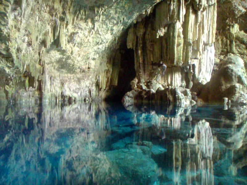 Saturn Cave
