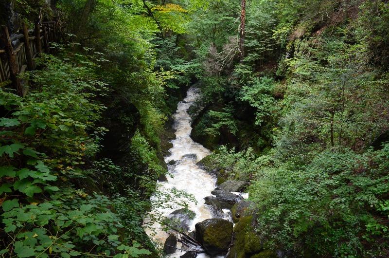 Hiking Bushkill Falls