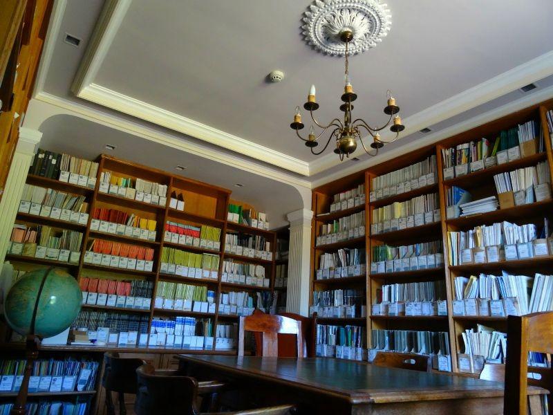 Durrell Wildlife Hostel library