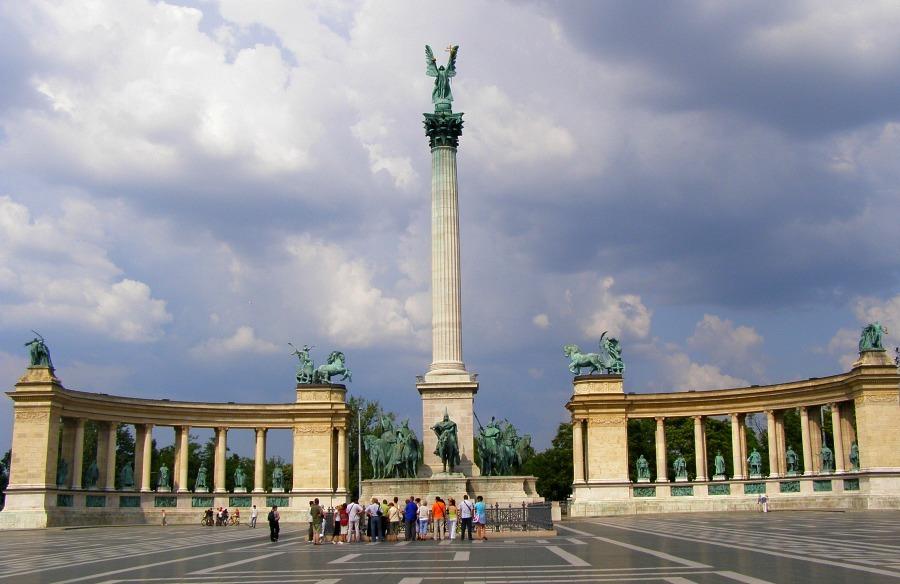 Heros Square