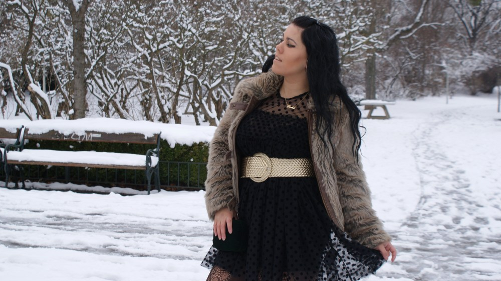 Vintage Moments: Black and Gold - Transparenz und Pelz