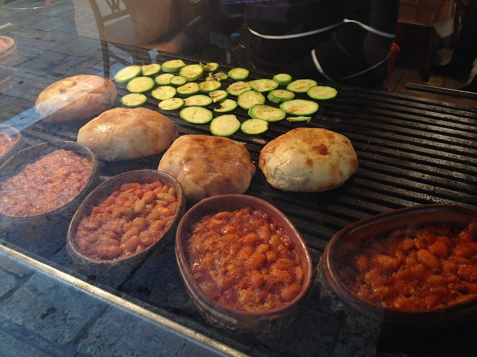 Tavche Gravche stew with beans