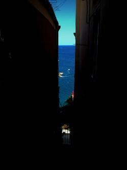 Positano: Sea between the walls
