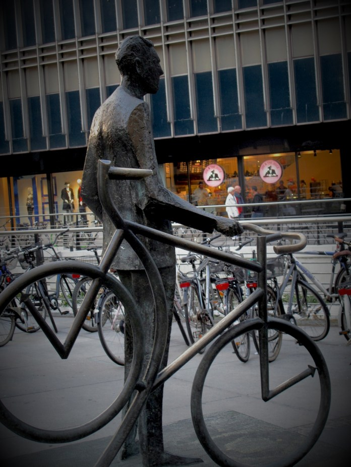 The best way to explore Danish cites is by bicycle or on foot