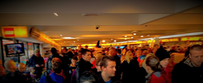 Inside the biggest Lego shop in the world. Quite a crowd, no?
