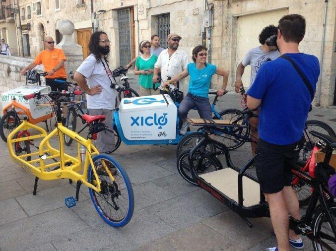 Bicis de carga Bullitt y ciclistas en Burgos