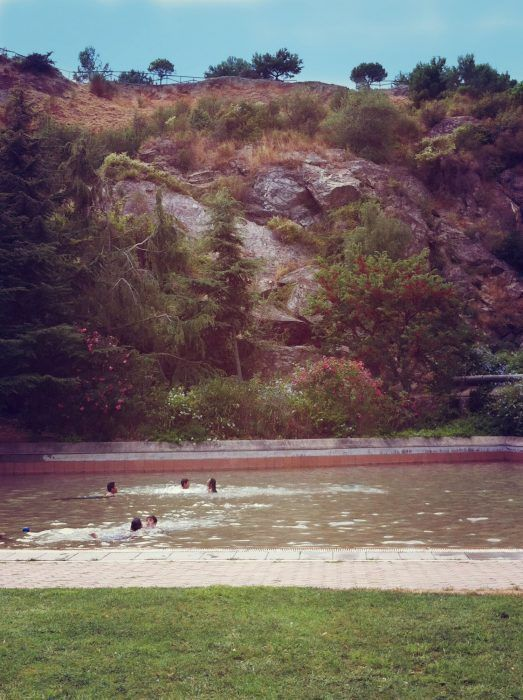 Parc del llac de la creueta del Coll, piscina para niños Barcelona