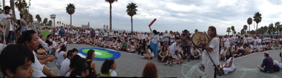 Meditación por la paz en la People's Climate March de Barcelona