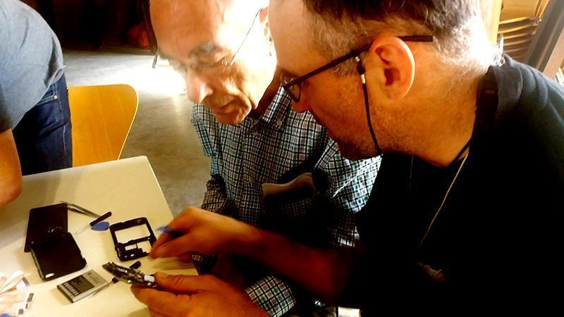 Aprender a reparar tu móvil tu mismo