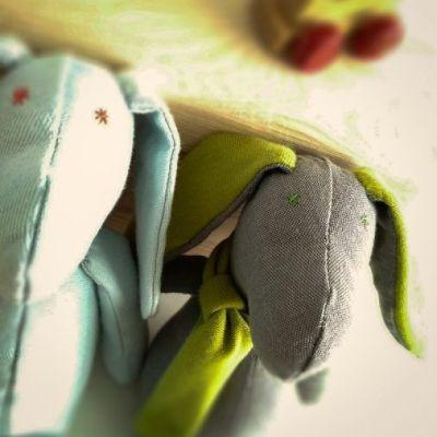 Muñecos ecológicos, Al escondite inglés