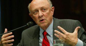 EU ha interferido en elecciones de otros países, afirma ex director de la CIA