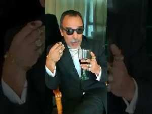 """""""¡Yo también alzo la voz en contra del populismo!"""", así parodia Damián Alcazar a empresarios"""