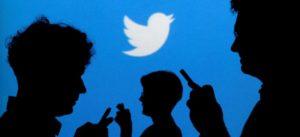 Twitter elimina cuentas falsas, más de un millón por día: The Washington Post
