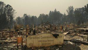 Videos: El incendio más devastador de California ha causado la muerte de 48 personas, la desaparición de 228 persojnas y destruido 7,100 residencias