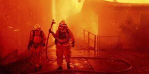 Fin a evacuaciones en zona de incendio de California