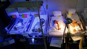 """Una mujer da a luz a septillizos de forma natural en una caso """"raro y único"""" en Irak"""