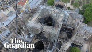 Dron muestra los graves daños a Notre Dame y el enorme valor de famosas reliquias y obras preservadas