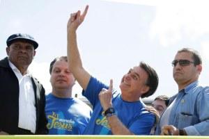 """""""Delincuentes de izquierda"""" están volviendo en América Latina, dijo Bolsonaro al referise al triunfo del peronismo en Argentina"""