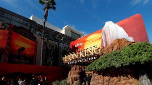 Escuela primaria de Berkeley muestra la cinta 'El rey león' en un evento benéfico y Disney exige un tercio de lo recaudado