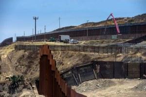 Dice Trump que la construcción del muro ha reducido cruce de migrantes