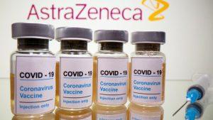 """AstraZeneca asegura que ha descubierto la """"fórmula ganadora"""" para que su vacuna sea efectiva"""