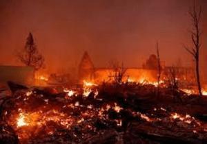 Video: Incendio arrasa Greenville, fundado durante la fiebre del oro californiana con edificios históricos