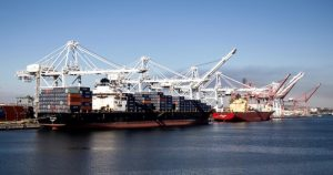 Histórico: colapsan los puertos de Los Ángeles y Long Beach, los principales del oeste de EU