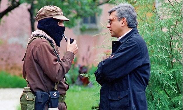 El peligroso absurdo: La campañas de odio a AMLO y al EZLN