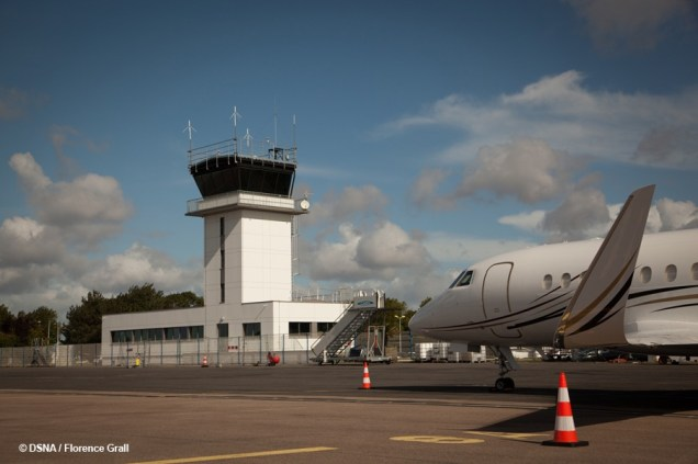 Aeroport_Caen-Carpiquet_tour_de_controle_modernisee_26-09-2017