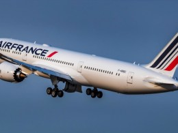 Air_France_Boeing_787-9_F-HRBC