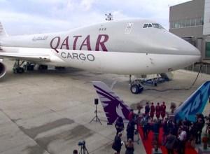 Boeing_747-8F_Qatar_Airways_2