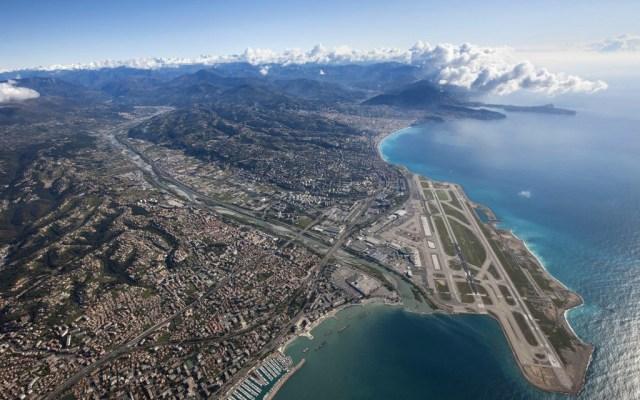 Aeroport_Nice_Côte_d'Azur_vue_aérienne