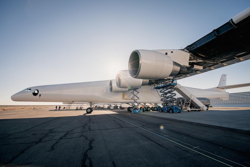Stratolaunch commence à tester les six moteurs de son avion géant