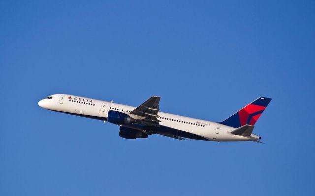 Boeing_757-200_Delta