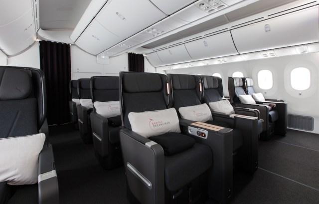 Boeing_787-9_Qantas_Premium_Economy_2