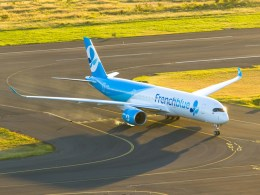 Airbus_A350-900_French_blue