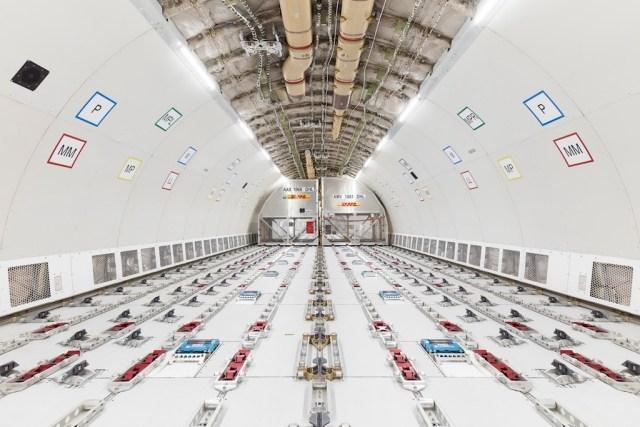 Airbus_A330-300P2F-interior