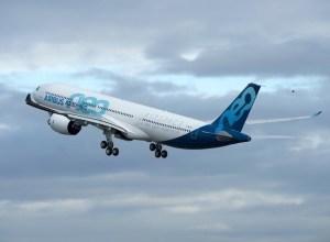 Deuxieme_Airbus_A330-900_en_vol