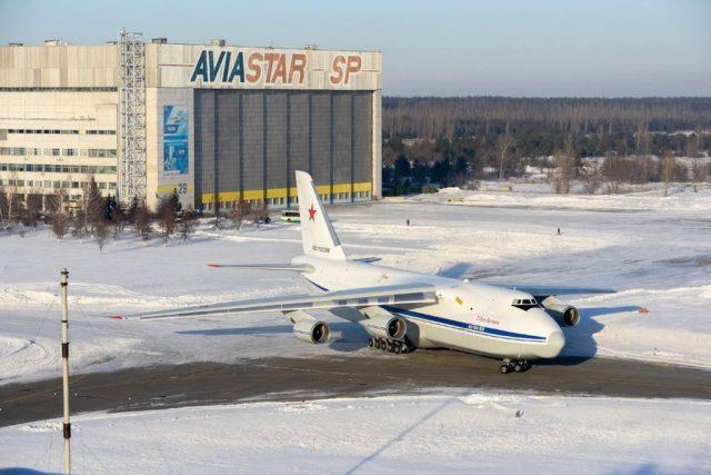 Antonov_AN-124_modifie_par_Aviastar-SP