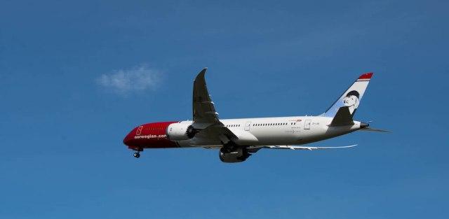 Boeing_787-9_Norwegian_EI-LNI